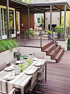 Planning a new deck or a deck makeover? Browse these pictures of beautiful decks to find inspiration for materials, layout, decorating, and more. This trio of deck tours shows how to layer comfort and (Patio Step With Railing) Backyard Patio, Backyard Landscaping, Backyard Designs, Backyard Ideas, Porch Ideas, Patio Design, Back Yard Deck Ideas, Small Deck Designs, Desert Backyard