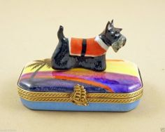 FRENCH LIMOGES BOX Scottish Terrier DOG PUPPY IN CUTE OUTFIT ON TROPICAL BEACH 115