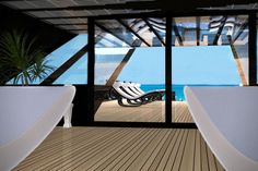 The Black Swan Superyacht Proves Money Can Buy Happiness (8 Photos) You know what they say about money and how it can't make you happy? It can buy you a superyacht though. The Black Swan Superyacht is quite a special...