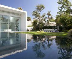 Villa Blanche a Tel Aviv de Pitsou Kedem http://residences-decoration.com/villa-blanche-pitsou-kedem/