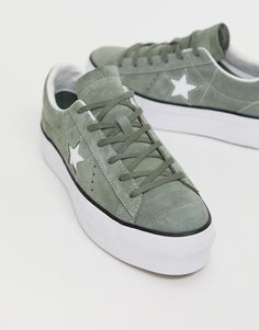 Converse one star khaki green platform trainers at ASOS. Shop this season's must haves with multiple delivery and return options (Ts&Cs apply). White Converse Outfits, Converse One Star, Green Converse, Women's Converse, Custom Converse, Sock Shoes, Cute Shoes, Me Too Shoes, Platform Converse