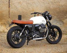 pinterest.com/fra411 #classic #motorbike - Baak - V7 tracker baak