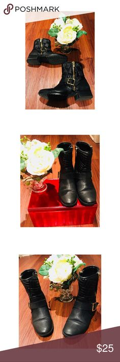 Calvin Klein Black Booties Calvin Klein quilted booties w/gold zippers. Boots are worn with creases & wear in the front of the boots. The inside of boots have normal wear. Boots have great traction and are very comfortable. Calvin Klein Shoes Ankle Boots & Booties
