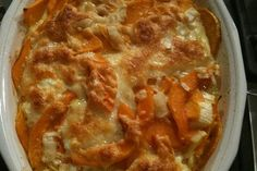 Summer Squash Au Gratin -- you can also make this with zucchini, potatoes, or a mixture of both or all My Favorite Food, Favorite Recipes, Cooking Recipes, Healthy Recipes, Summer Squash, Side Dishes, Yummy Food, Stuffed Peppers, Ethnic Recipes