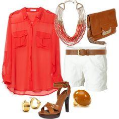 blusa pantalon corto  salmon y blanco con accesorios cafe correa bolso y sandalias tacon alto