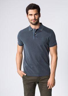 Klassiker mit sportivem Charme, das zeitlose Polo-Shirt von Marc O'Polo aus Baumwoll-Piqué erhält durch die stellenweise leicht verwaschene Optik einen dezenten Used Look. Blickfang ist die stilvolle Label-Stickerei auf der Brust. Aus 100% Baumwolle....