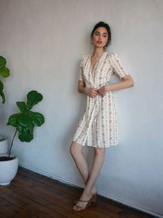 Style Casual, Feminine Style, Casual Summer Dresses, Short Sleeve Dresses, Casual Outfits, Girly Outfits, Knee Length Dresses, Ankara Stil, Wrap Dress