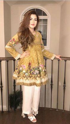 Frock design women clothing in 2019 мода, моделирование Stylish Dresses For Girls, Stylish Dress Designs, Designs For Dresses, Casual Summer Dresses, Casual Wear, Pakistani Fashion Casual, Pakistani Dresses Casual, Pakistani Dress Design, Pakistani Clothing