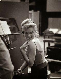 Marilyn Monroe Producing music for Let's Make Love