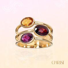 Dieser Ring greift die Trendfarbe Marsala perfekt auf und wird damit zum idealen Begleiter für den Herbst! www.christ.de