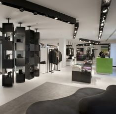 http://www.glamshops.ro/pics/201304/benetton-flagship-store-by-piero-lissoni-milan-1364983894-3.jpg