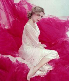 Grace Kelly starred in Dial M for Murder 1954 | pinterest: geminoir