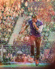 Chris Martin and Glasgow confetti! #ColdplayGlasgow