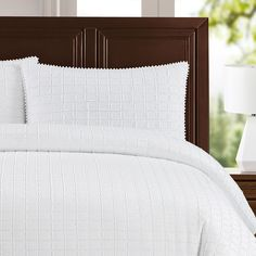 Newport duvet cover sets by Echelon Home feature a frayed edge box pattern with mini pom pom trimming. Revitalize your room with this modern chic bedding set. White Pillows, White Bedding, Bed Pillows, Duvet Sets, Duvet Cover Sets, Best Duvet Covers, Online Bedding Stores, Down Comforter, Affordable Bedding