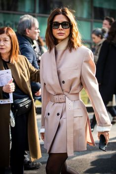 MILAN ITALY - FEBRUARY Christine Centenera wearing a beige double-breasted jacket is seen outside Emporio Armani on Day 2 Milan Fashion Week Autumn/Winter on February 21 2019 in Milan Italy. (Photo by Claudio Lavenia/Getty Images) Rihanna Street Style, Model Street Style, Berlin Street Style, Paris Street, European Street Style, Italian Street Style, Khloe Kardashian, Robert Kardashian, Kendall Jenner