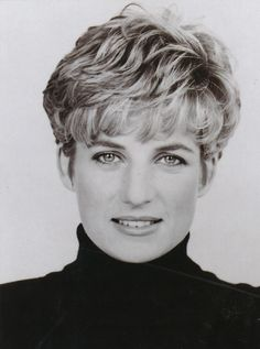 Princess Lady Diana Spencer 2010 The Late Lady Diana Spencer, Gisele Bündchen, Tilda Swinton, Princess Of Wales, Queen Of Hearts, Famous Faces, Beautiful People, Beautiful Soul, Short Hair Styles