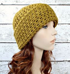 Wide Cuff Beanie Hat in Moss Green