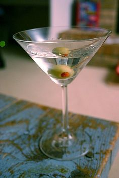 5 Classic Cocktails Every Man Should Know