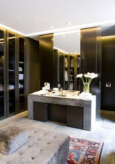 10 Walk-in Closets for a Luxury Bedroom | See more at http://www.bedroomideas.eu/10-walk-in-closets-for-a-luxury-bedroom/