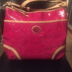 NWOT. Authentic Coach Beautiful! Med/large, front pocket. Zipper pocket inside and 2 pockets. Perfect condition! Coach Bags Shoulder Bags