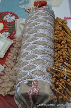 Bobbin Lacemaking, Bobbin Lace Patterns, Needle Lace, Weaving, Napkin Rings, Projects, Crafts, Type, Home Decor