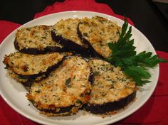 Oven Fried Eggplant (Aubergine) I love Eggplant any ole way! Oven Fried Eggplant Source by abeachgirl Oven Fried Eggplant, Fried Eggplant Recipes, Ichiban Eggplant Recipe, Baked Eggplant Parmesan, Aubergine Oven, Grilled Eggplant, Vegetable Recipes, Vegetarian Recipes, Cooking Recipes