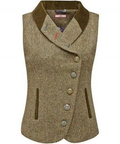 Bring a touch of the English countryside to your look with this tweed waistcoat. Assorted buttons and contrast buttonholes add a twist to the traditional Kurta Designs, Indian Men Fashion, African Fashion, Hijab Fashion, Fashion Dresses, Outfit Stile, Tweed Waistcoat, Tweed Jacket, Shirt Diy