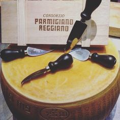 The King of cheeses is 100% natural! #parmigiano #reggiano #parmigianoreggiano #instafood #madeintaly #formaggio #cheese #theonlyparmesan #italy #italia by parmigianoreggiano