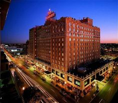 Google Image Result for http://www.hotelsoftherichandfamous.com/travel/images/The-Peabody-Memphis/the-peabody-memphis.jpg