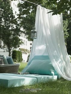 spielerische Zelte für Kinder grün baldachin garten idee