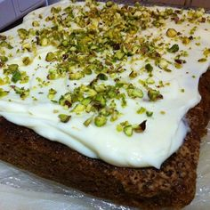 Moist and luscious, gluten-free carrot cake with pistachio frosting. Quick and easy recipe for those friends with gluten intolerance. Baking and cakes. Gluten Free Carrot Cake, Gluten Intolerance, Pistachio, Quick Easy Meals, Frosting, Carrots, Opportunity, I Am Awesome, Pudding