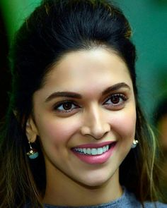 You look amazing. Beautiful Bollywood Actress, Beautiful Indian Actress, Beautiful Actresses, Indian Celebrities, Bollywood Celebrities, Bollywood Actors, Indian Film Actress, Indian Actresses, Deepika Padukone Style