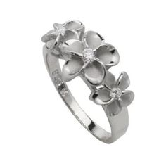Hawaiian Three Plumeria Ring.....wish I had this to go with my necklace, bracelet and earrings I got in Hawaii!