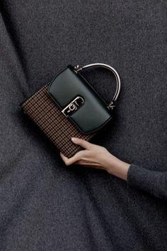 Fall Handbags, Cute Handbags, Gucci Handbags, Luxury Handbags, Fashion Handbags, Purses And Handbags, Fashion Bags, Leather Handbags, Cheap Handbags