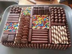 Resultado de imagen para chocotorta decorada con golosinas Chocolate Box Cake, Chocolate Lollies, Candy Cakes, Cupcake Cakes, Cake Recipes, Dessert Recipes, Chocolates, Occasion Cakes, Cute Cakes