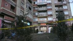 Самоубиства Тачијевих службеника - http://www.vaseljenska.com/drustvo/samoubistva-tacijevih-sluzbenika/