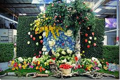 Mayesh Orange County Flower Wall - The Giving Tree