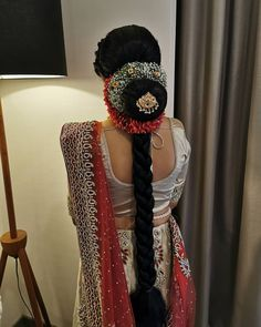 Bridal Bun, Bridal Braids, Bridal Hairdo, Hairdo Wedding, South Indian Wedding Hairstyles, Indian Hairstyles, Bride Hairstyles, Bridal Makeup Looks, Bridal Hair And Makeup