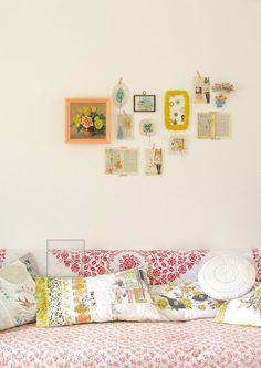 Poppytalk: Hula Seventy: Happy Walls. Gallery walls decor