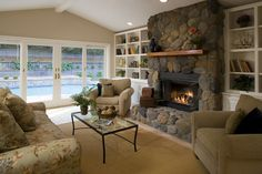 Traditional Home Fireplace With Raised Hearth Design, Pictures, Remodel, Decor and Ideas - page 5