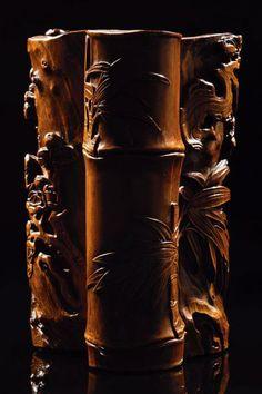 CHINE - XVIIIe siècle Porte-pinceaux en bambou double, sculpte en relief