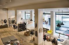 I really like the floors in this space RAGAZZINI BRESCIA - CALZATURE PER  BAMBINI BRESCIA - ABBIGLIAMENTO PER BAMBINI BRESCIA - NEGOZIO DI CALZATURE  PER ... e00512367f8