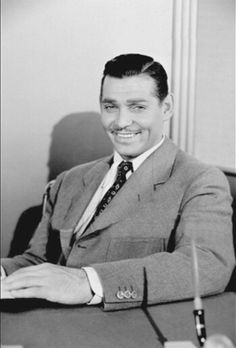 Clark Gable c.1930s Hollywood Actor, Golden Age Of Hollywood, Classic Hollywood, Old Hollywood, Loretta Young, Carole Lombard, Clark Gable, Popular Actresses, Actors & Actresses