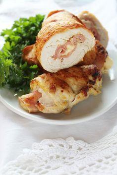 Необходими продукти:  4 бр пилешки филета/2бр филе пеперуда/  шунка слайс,бекон слайс,прошуто,хамон колкото да се покрият филетата  100г...