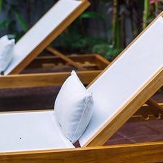 Simplicity is a real elegance... Have you already thought about to finding some lovely minimalist teakwood sun beds for a new summer season? ☺️ dsignfurniture.com