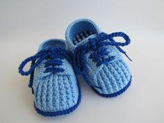 tenis feito em croche, cores e tamanhos a critério do cliente   tamanhos:0 a 3 meses,3 a 6 meses !!!  informar o tamanho no ato da compra!