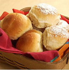 Soft White Dinner Rolls: King Arthur Flour Separately mix yeast with luke warm water and honey, let sit before mixing with dry ingredients Homemade Dinner Rolls, Dinner Rolls Recipe, Roll Recipe, Yeast Rolls, Bread Rolls, Croissants, Yeast Bread Recipes, King Arthur Flour