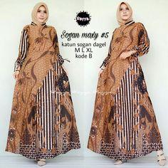 Y10 @175rb Batik Fashion, Abaya Fashion, Fashion Sewing, Muslim Fashion, Gamis Simple, Dress Batik Kombinasi, Batik Muslim, Dress Anak, Batik Dress