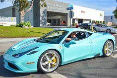 Ferrari 458 Speciale in Tiffany Blue