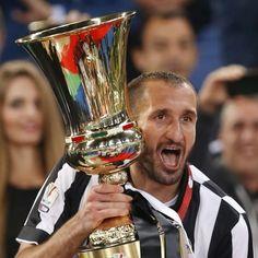 Giorgio #Chiellini con la #CoppaItalia
